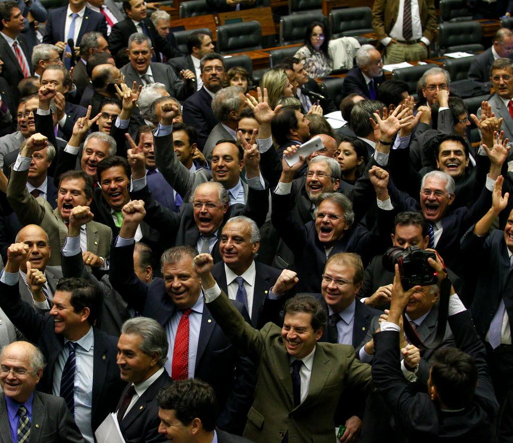 Plenário da Câmara dos Deputados na noite de terça-feira (Foto Pedro Ladeira/Folhapress)
