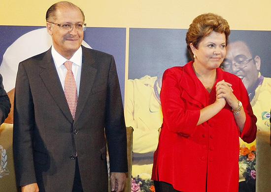 Dilma e Alckmin durante evento no Palácio dos Bandeirantes em 2013 (Foto Roberto Stuckert Filho/Presidência da República)