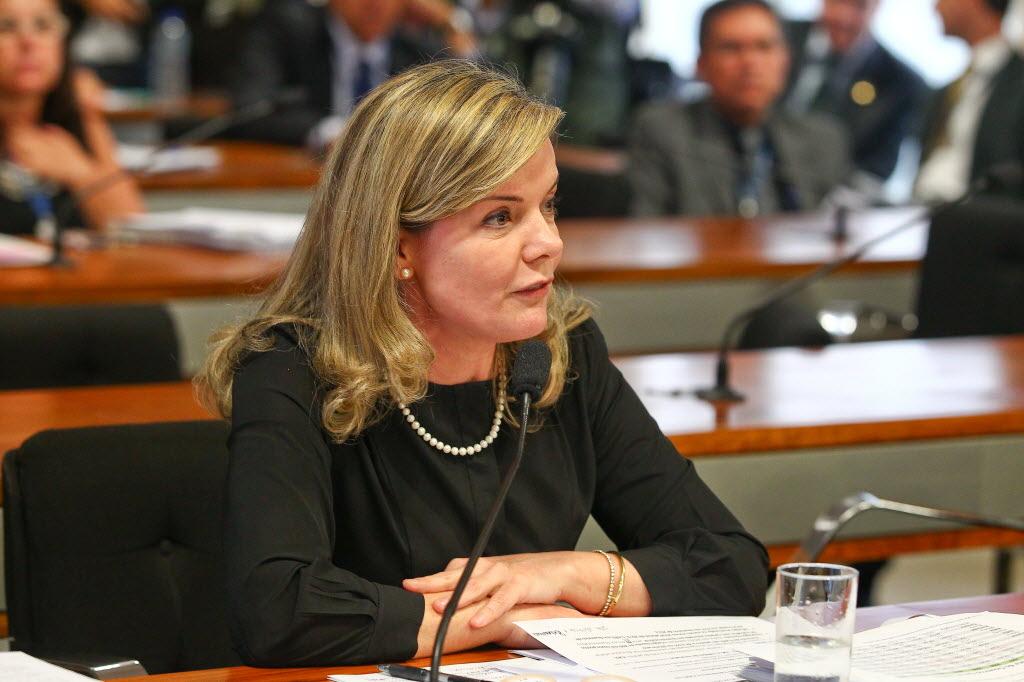 A senadora e ex-ministra da Casa Civil Gleisi Hoffmann (Foto: Pedro Ladeira/Folhapress)