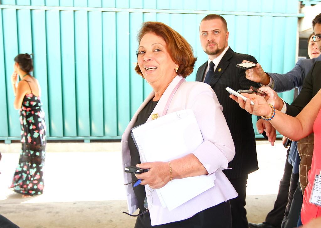 A ministra Ideli Salvatti, que nesta quarta ouviu queixas do PT (Foto: Pedro Ladeira/Folhapress)