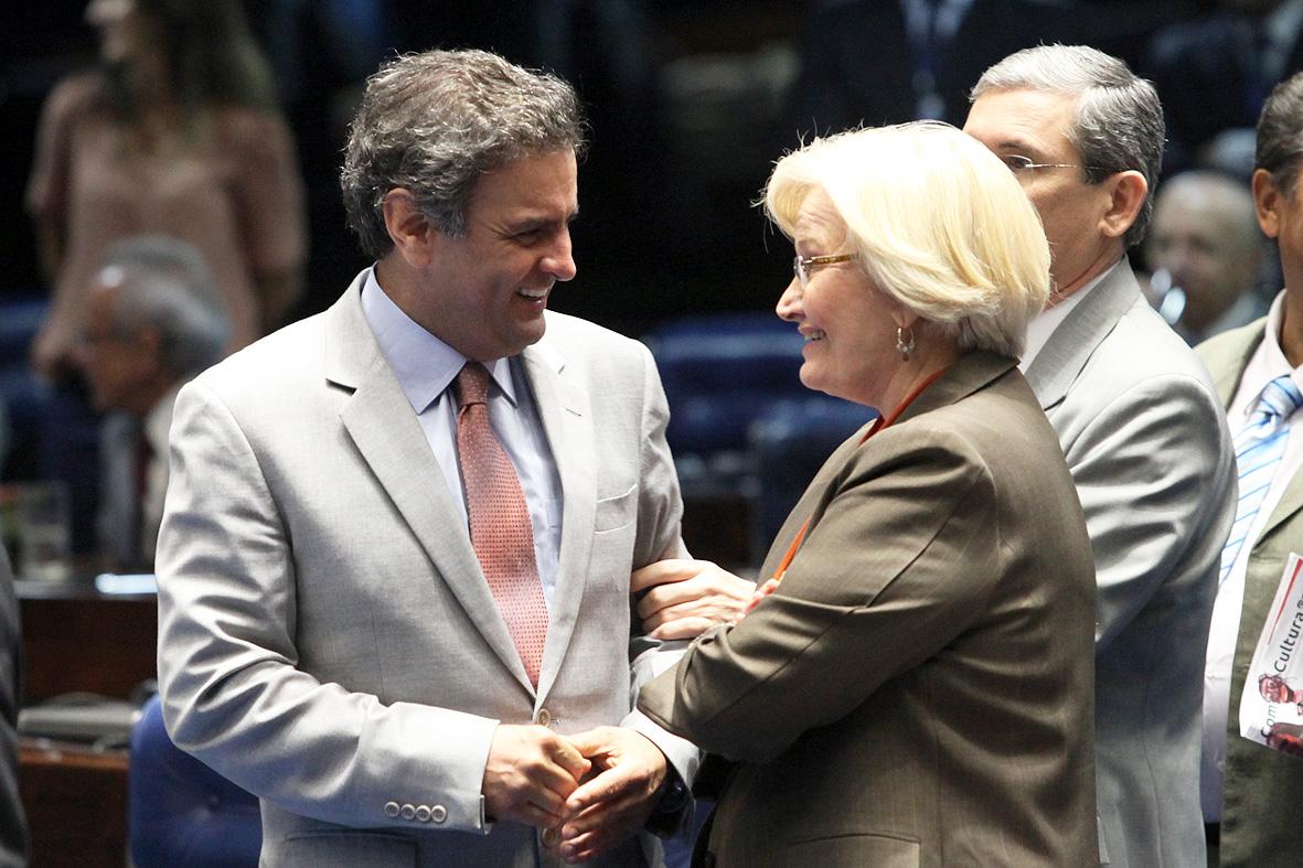 O presidenciável tucano Aécio Neves e a senadora e pré-candidata do PP ao governo do Rio Grande do Sul, Ana Amélia (Foto: Agência Senado)