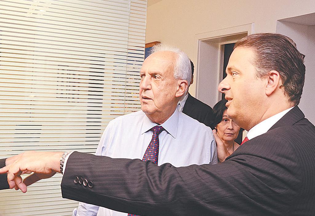 Jarbas Vasconcelos (esq), que comanda dissidência de senadores e deputados do PMDB pró-Eduardo Campos (dir). (Foto: Governo de Pernambuco/Divulgação)