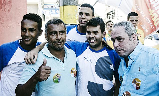 Romário faz campanha em Mendes (RJ)