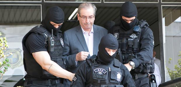 Resultado de imagem para Cunha é consolado por Palocci na prisão